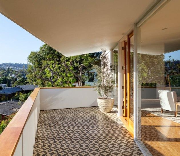 interiors | jessica de ruiter balcony